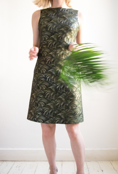 Chloe-Mullaney-House-of-Hackney-Metallic-Palmeral-60s-Shift-Dress-9