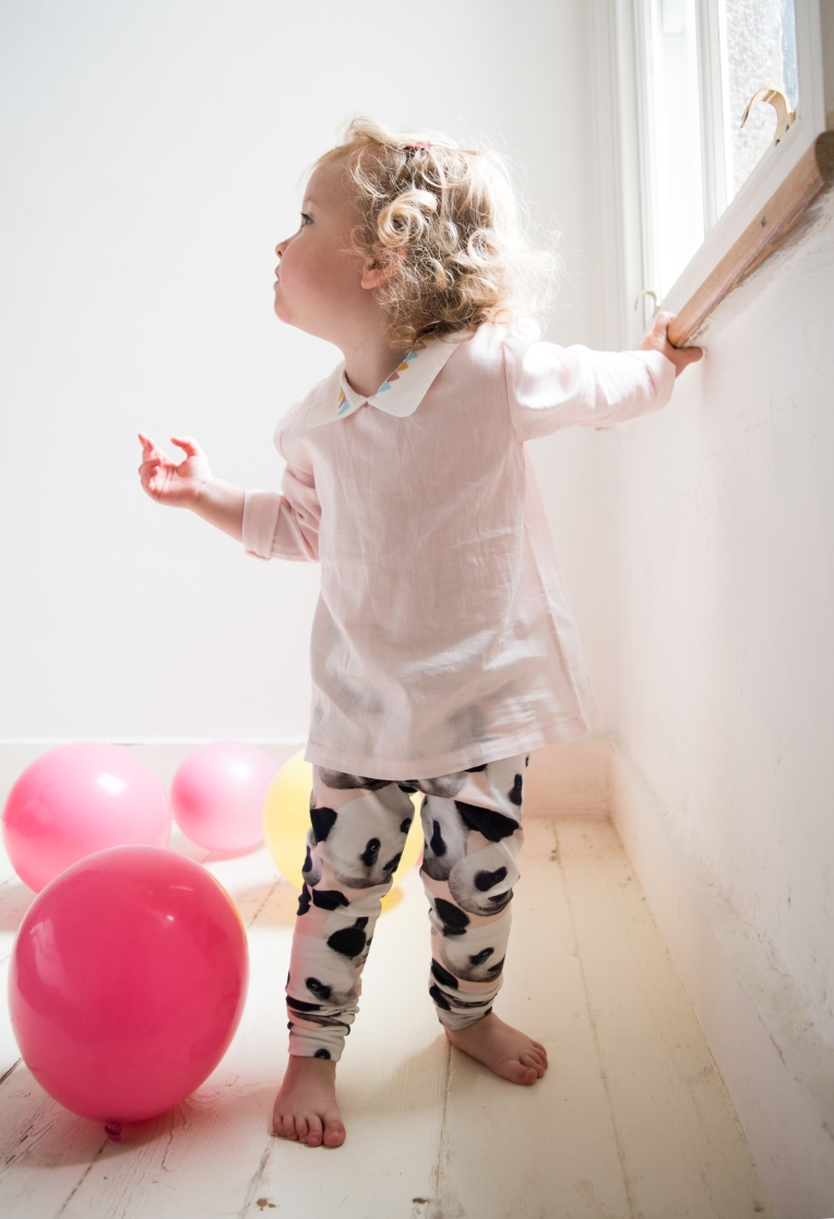 DIY-PANDA-PRINT-TODDLER-LEGGINGS-2