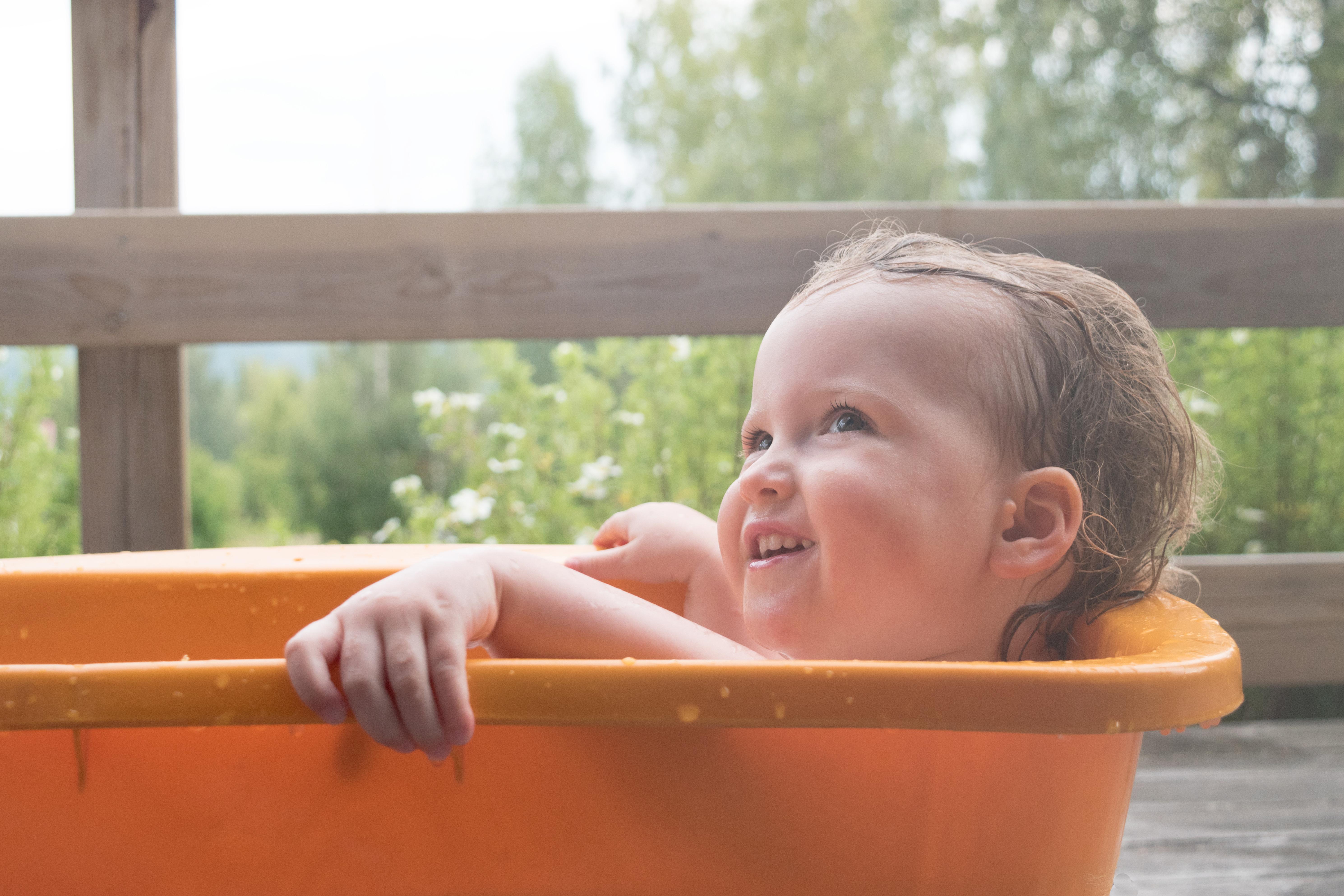 Outdoor-bath-Sweden