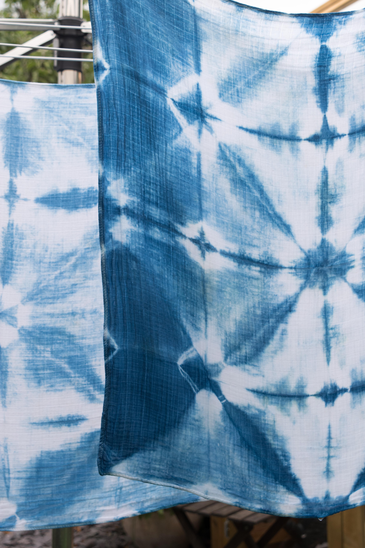 shibori-dying-natural-indigo-dye-30