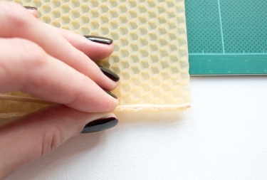 rolled-beeswax-candle-diy-tutorial09