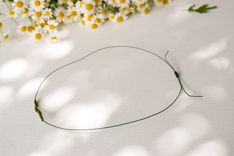 DIY-Fresh-Flower-Crown-2