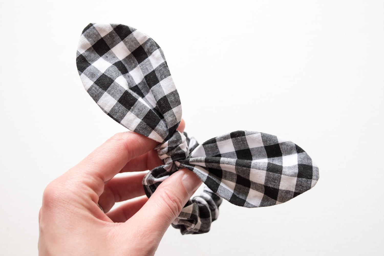 bow-scrunchie-diy-tutorial-27